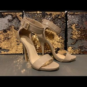 Shoes - Women's high heels